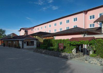 mirjana rastoke restaurant and bar outside the hotel
