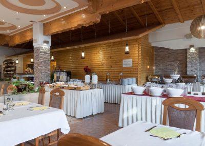 mirjana rastoke restaurant and bar tables