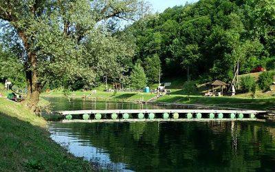 Kupanje na rijeci Korani Mirjana Rastoke