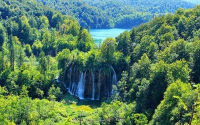 Plitvice lakes hiking tour